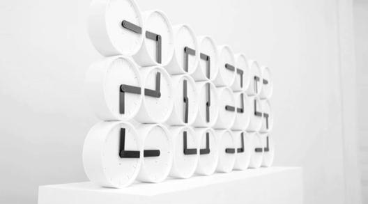 uhren wohnzimmer. Black Bedroom Furniture Sets. Home Design Ideas