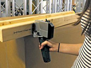Holzbeschriftung mit Handdrucker X1JET HP HandHold