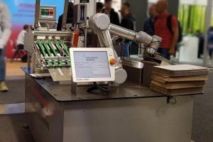 Kennzeichnung mit Roboterarm