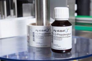 Etikettierte e-Liquid-Flasche